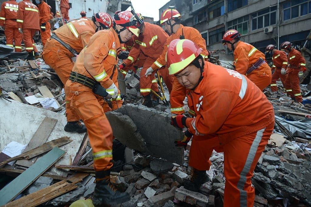 В Китае обрушились четыре многоэтажки: десятки жертв