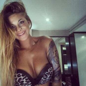 Племянница вратаря сборной Испании взорвала сеть откровенными фото