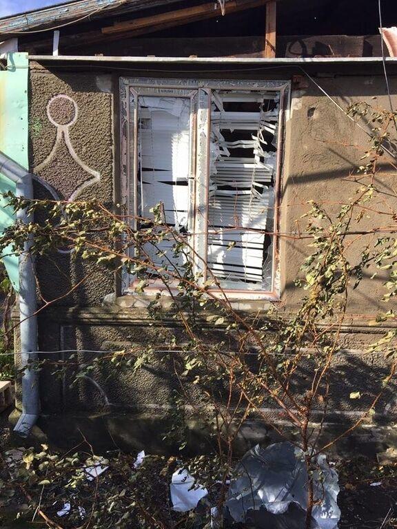 Террористы расстреляли жилые дома в Талаковке, поврежден газопровод