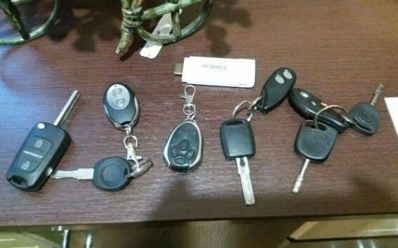 """Полиция разоблачила """"черных инспекторов"""", занимавшихся угонами элитных авто"""