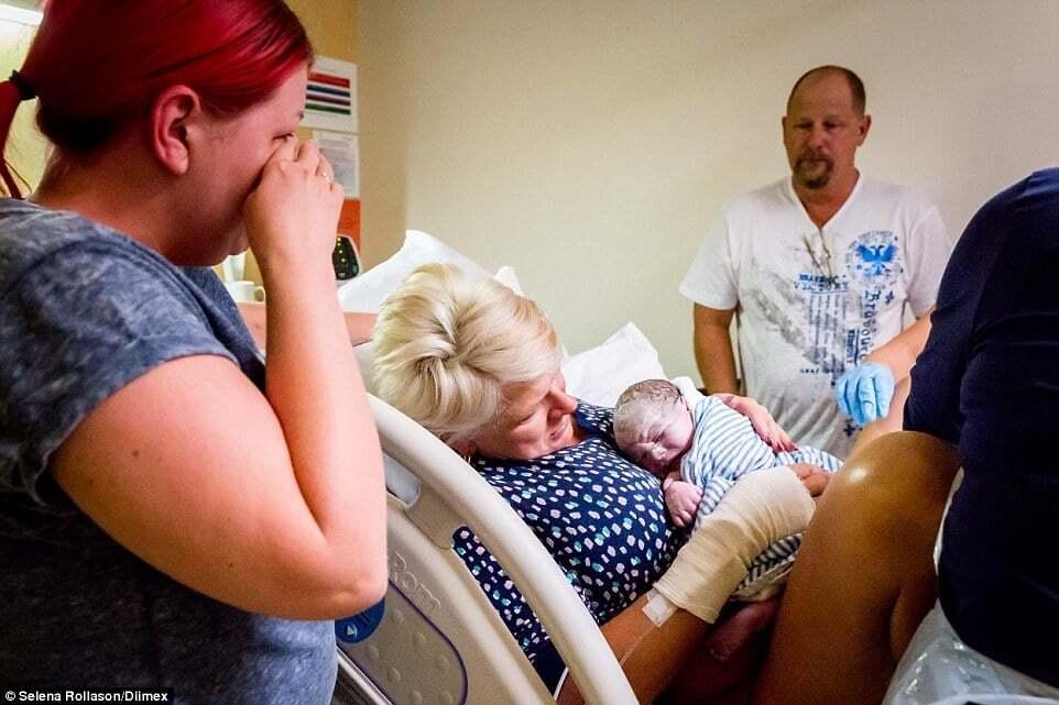К чему снится умершая дочь беременной 57