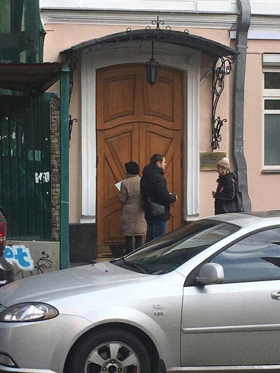 В Киеве лжеполицейский отобрал у подростка iPhone - соцсети