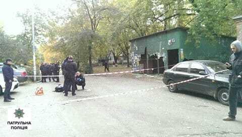 В Киеве мужчина едва не выстрелил в копов