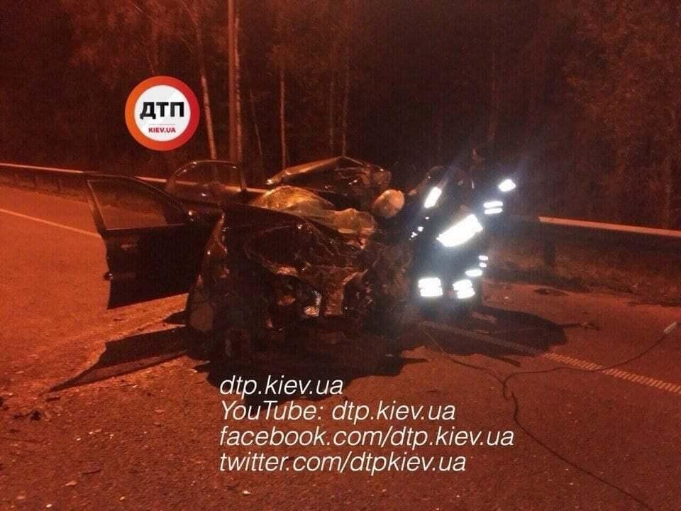 Под Киевом произошло масштабное ДТП: 3 погибших, 4 пострадавших