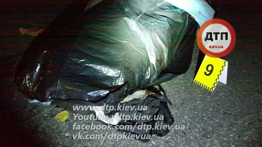 Бросился в поток авто: в Киеве насмерть сбили пешехода
