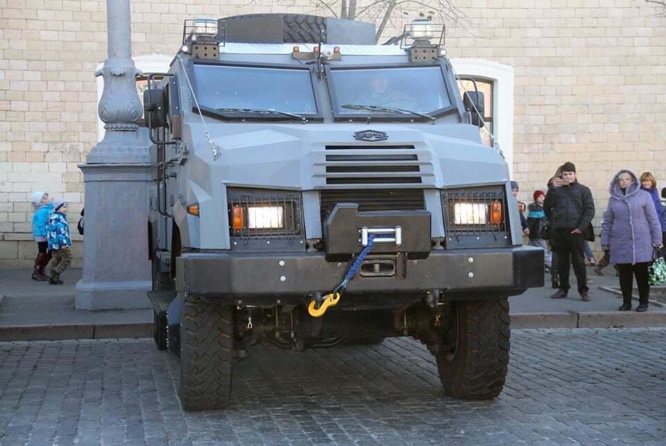 Сделано в Украине: харьковская полиция получила новый броневик