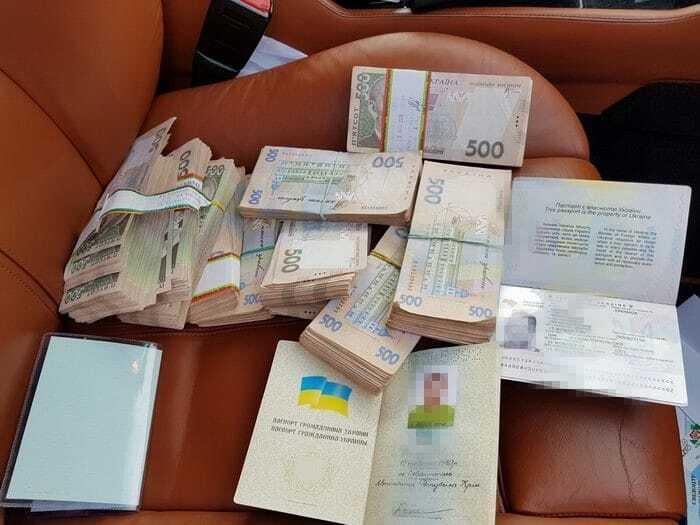 """В Борисполе задержали дельцов, которые """"штамповали"""" фальшивые документы"""