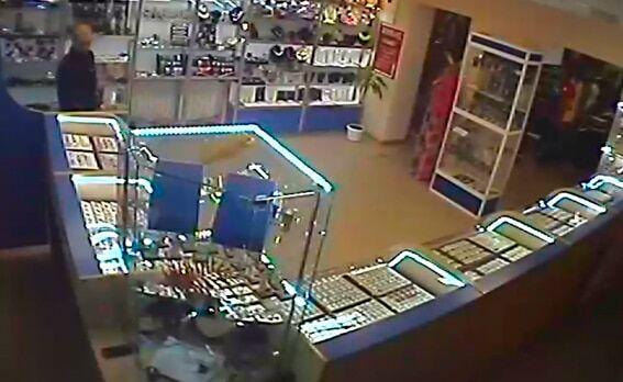 На Житомирщине поймали банду налетчиков, ограбивших ювелирный магазин