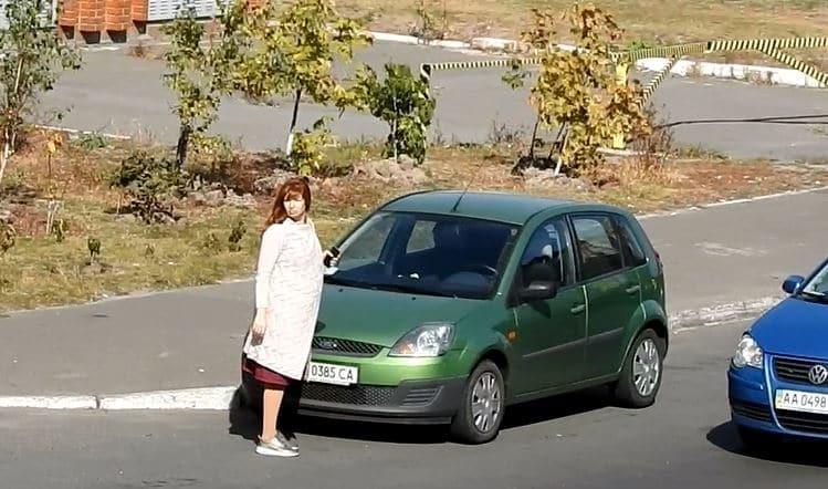 На втором триместре: СМИ засняли беременную жену нардепа Геращенко