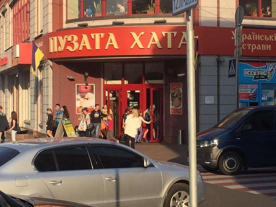 У Києві помітили дитячу гулянку на лімузині