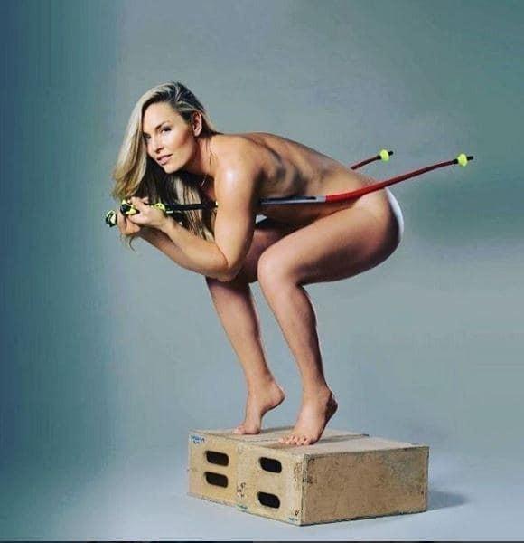 Олимпийская чемпионка выпустила фотокнигу, снявшись обнаженной
