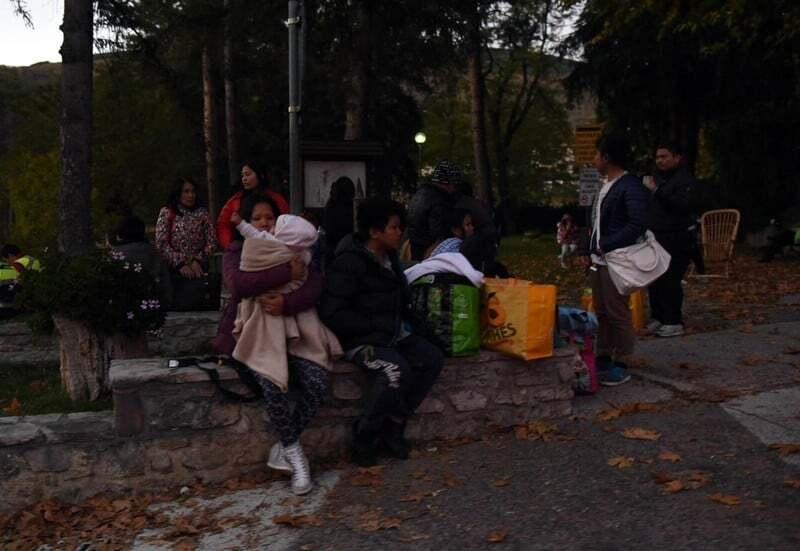 Землетрус в Італії: тисячі жителів ночували в машинах і наметах