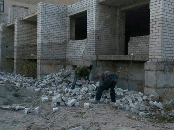 В Заводском районе Запорожья четверо мужчин воровали кирпичи
