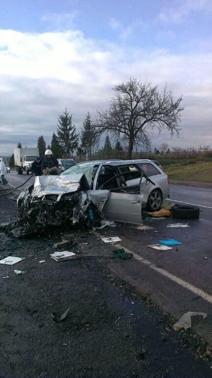На Прикарпатье лоб в лоб столкнулись два авто: погибли 4 человека