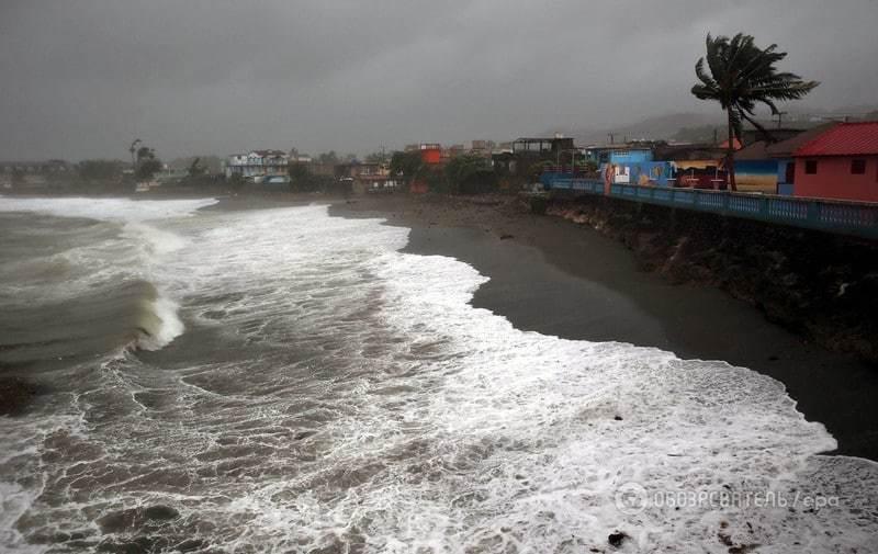 Гаїті накрив потужний ураган: частина країни відрізана від цивілізації