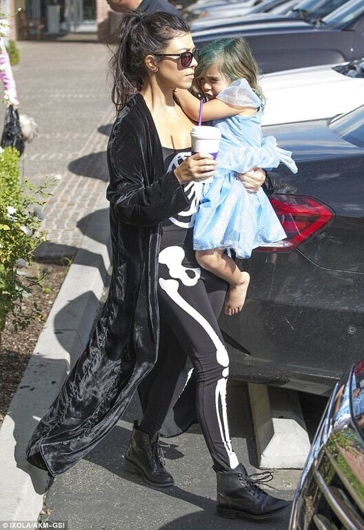 Злобная Мадонна, кукольная Бейонсе: как звезды повеселились на Хэллоуин