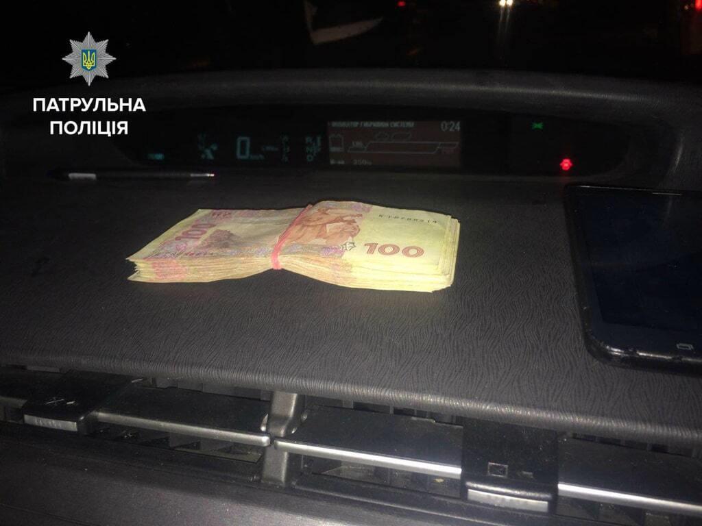 У Києві п'яний водій пропонував копам хабар