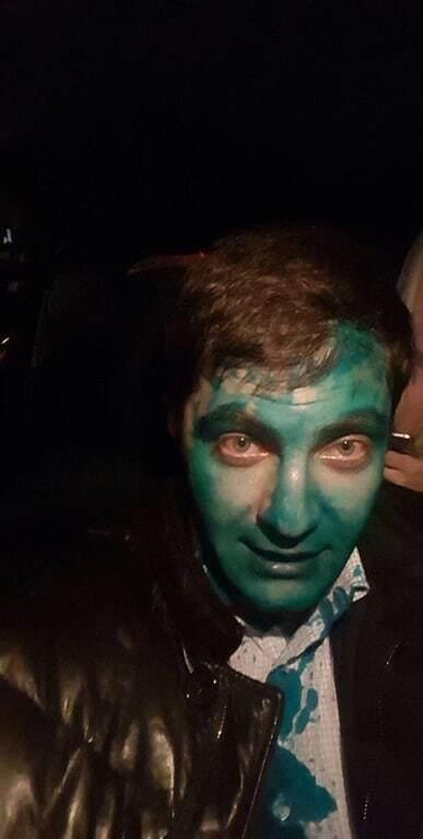 """Halloween продолжается: Сакварелидзе в Харькове """"встретили"""" зеленкой"""