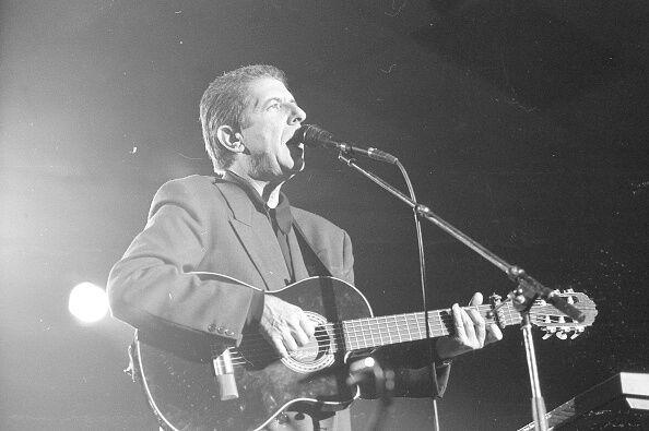 Помер канадський співак і поет Леонард Коен