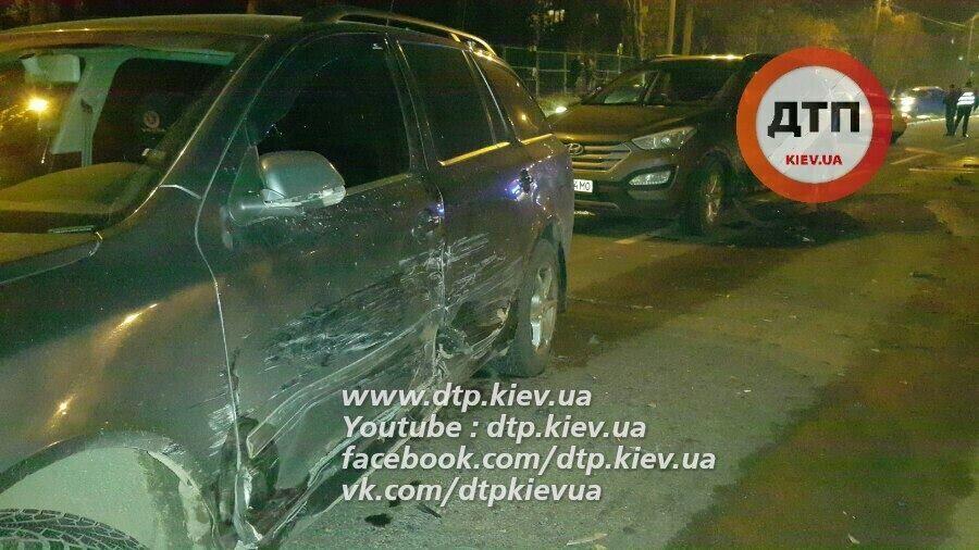 Розбив три авто і переїхав копа: в Києві зі стріляниною та гонитвою затримали водія
