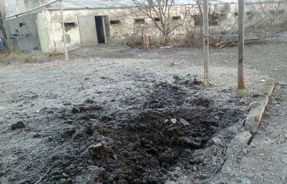 """Терористи """"накрили"""" артилерією село на Донеччині, загинув мирний житель"""