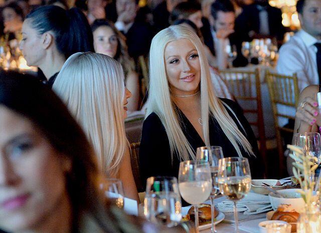 Миранда Керр и Кристина Агилера с женихами блистали на вечере Baby2Baby