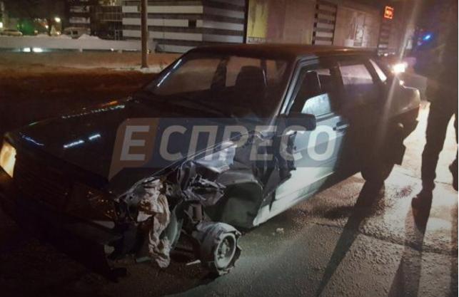 П'яна ДТП у Києві: водій збив жінку і намагався протаранити авто поліції