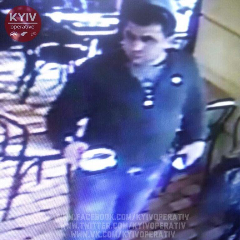 У соцмережі попередили про злодія, який наживається у київських кафе