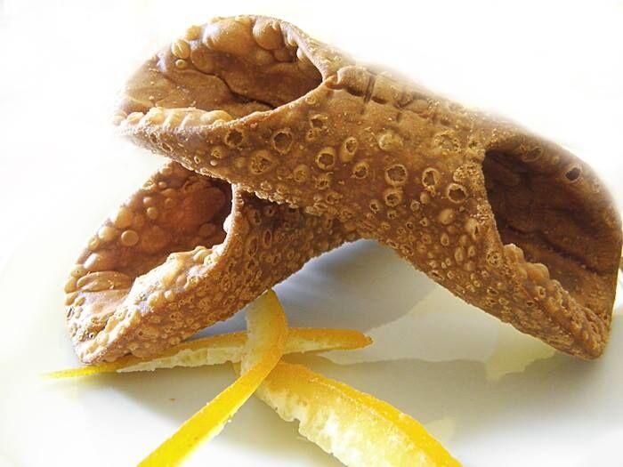 Канноли с кремом из рикотты: рецепт вкуснейшего сицилийского лакомства