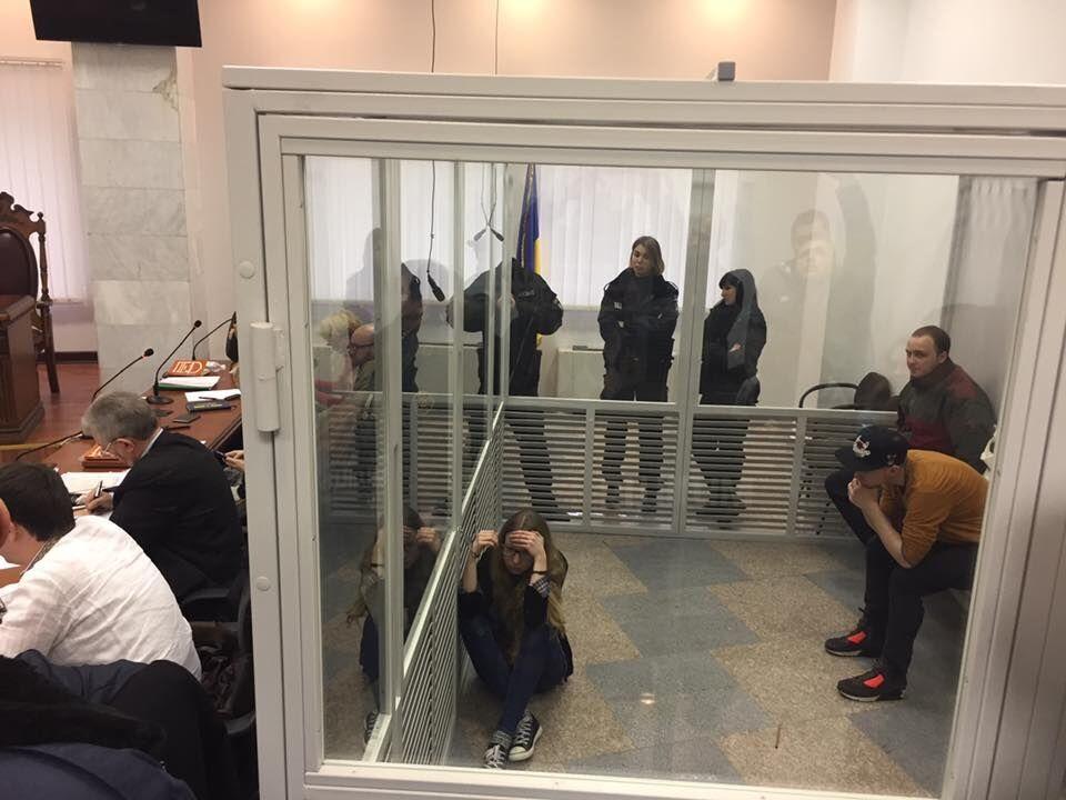 Нардеп з НФ прикував себе наручниками до Заверухи та зробив попередження