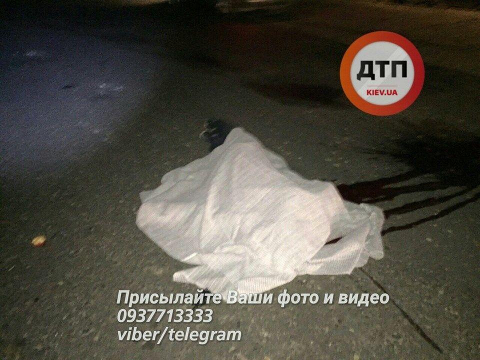 Що буває, коли не пристебнутий: в мережі показали шокуючі фото смертельної ДТП під Києвом