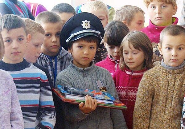 У Хмельницькій області 9-річний хлопчик врятував сестру від ґвалтівника