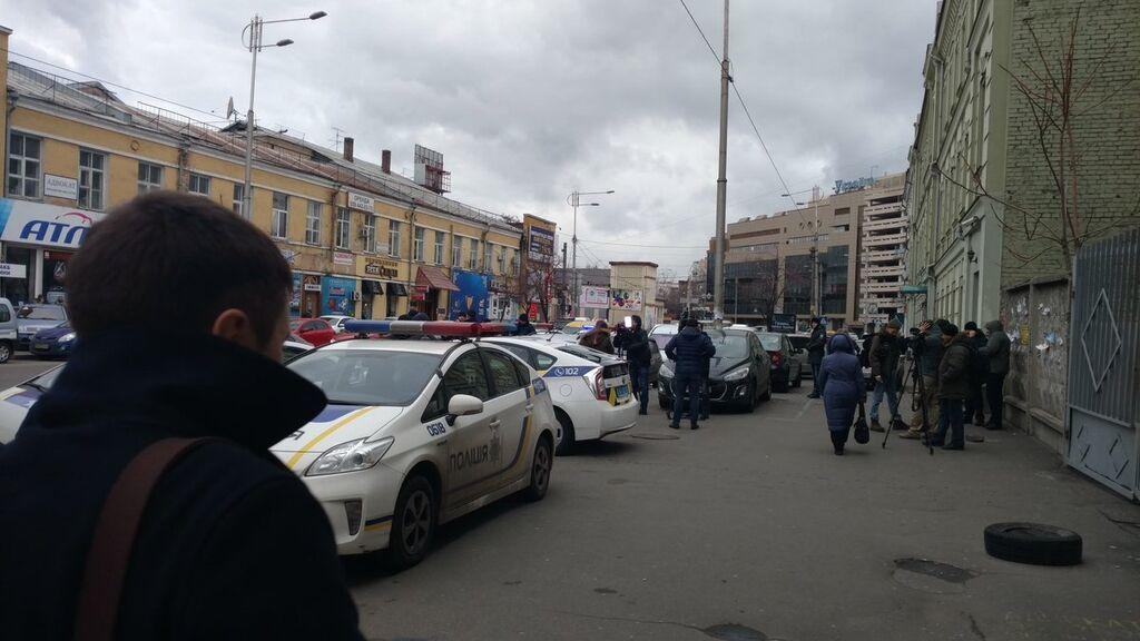"""Допит Януковича: """"беркутівців"""" доставили в будівлю суду"""