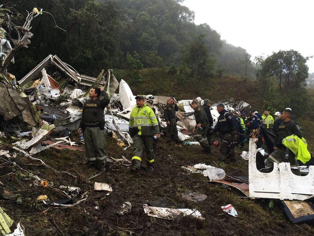 Гора с обломками: появились новые шокирующие фото разбившегося в Колумбии лайнера