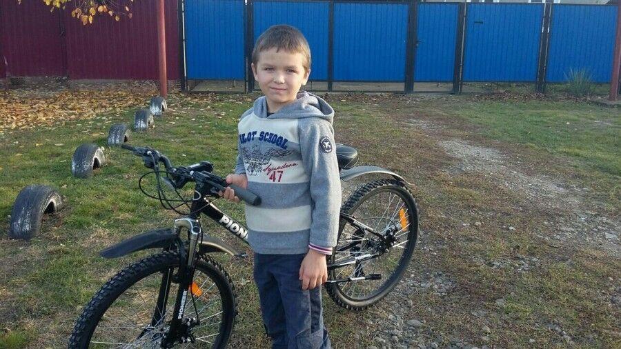 За гроші фанатів: синові Мотороли подарували велосипед