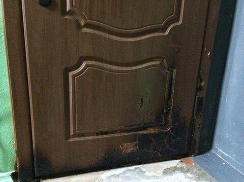 """""""Гра в 90-і"""": невідомі спробували підпалити квартиру мера Херсона"""