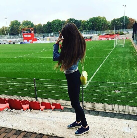 В сети показали сексуальную подругу одного из самых перспективных футболистов Украины