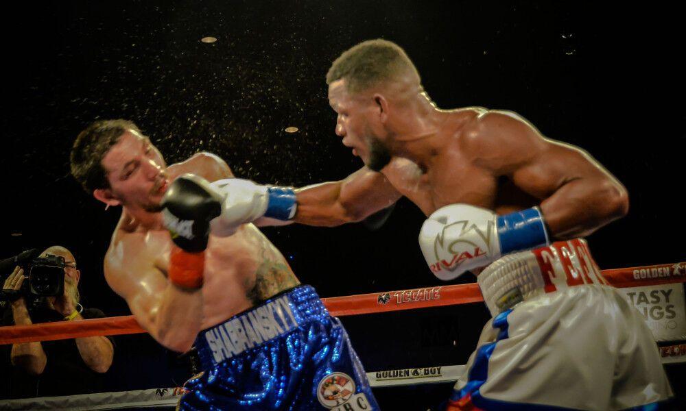 Известный украинский боксер потерпел сенсационное поражение в США