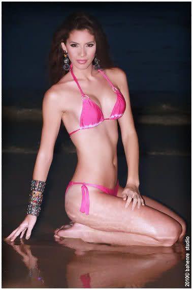 Сексуальна дружина чемпіона НБА похвалилася розкішними фото