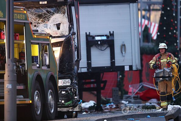 Теракт в Берлине: грузовик протаранил толпу на рождественской ярмарке