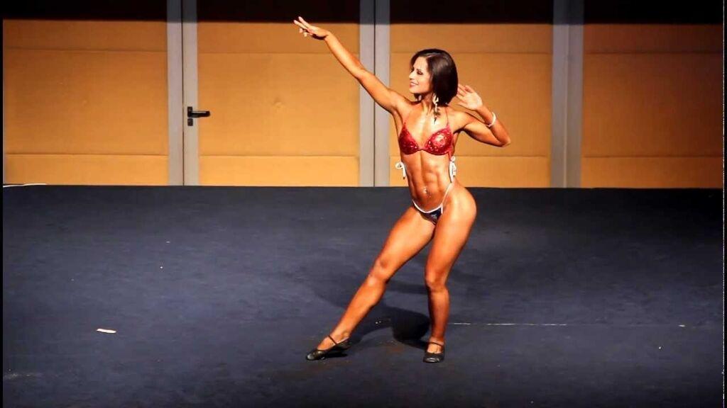 Переможниця фітнес-конкурсу зачарувала інтернет голою фотосесією