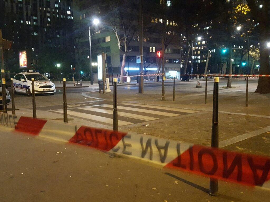 У Парижі сталося збройне захоплення заручників: усі подробиці, фото і відео