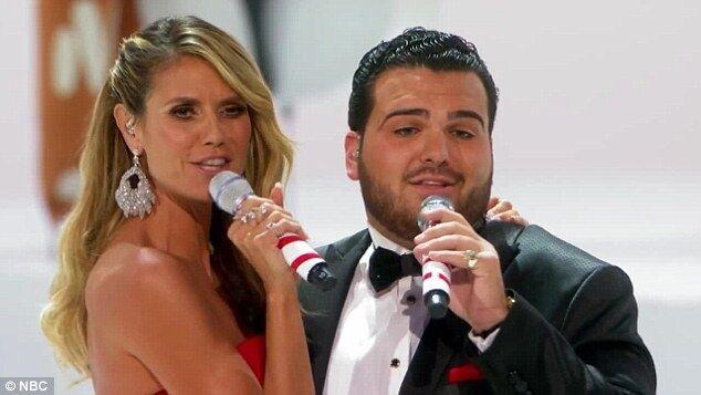 Известная модель оконфузилась во время певческого дебюта на сцене талант-шоу