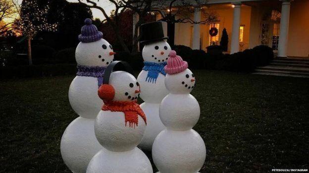 Необычная фобия: Обаму напугали снеговики в Белом доме