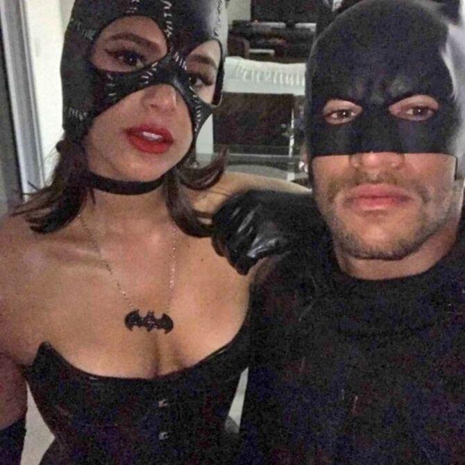 Подруга Неймара восхитила сексуальным нарядом на костюмированной вечеринке