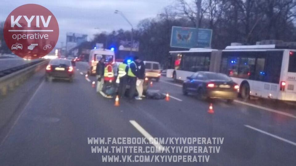 В Киеве смертельное ДТП парализовало проспект