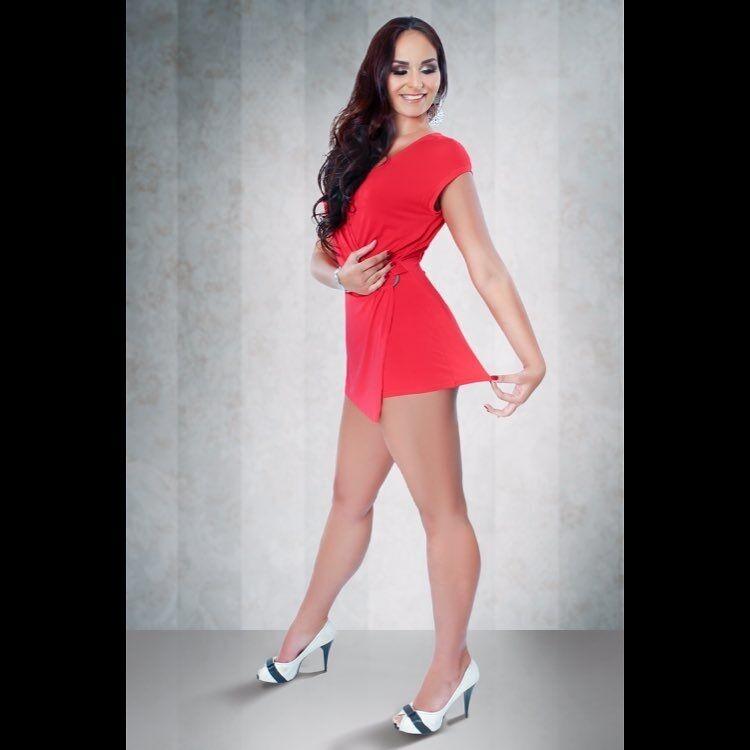 Белорусская кикбоксерша-гулливер впечатлила сеть своей внешностью