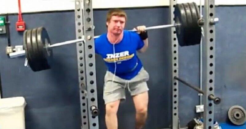 В сети показали 15 примеров, как не надо делать селфи в спортзале
