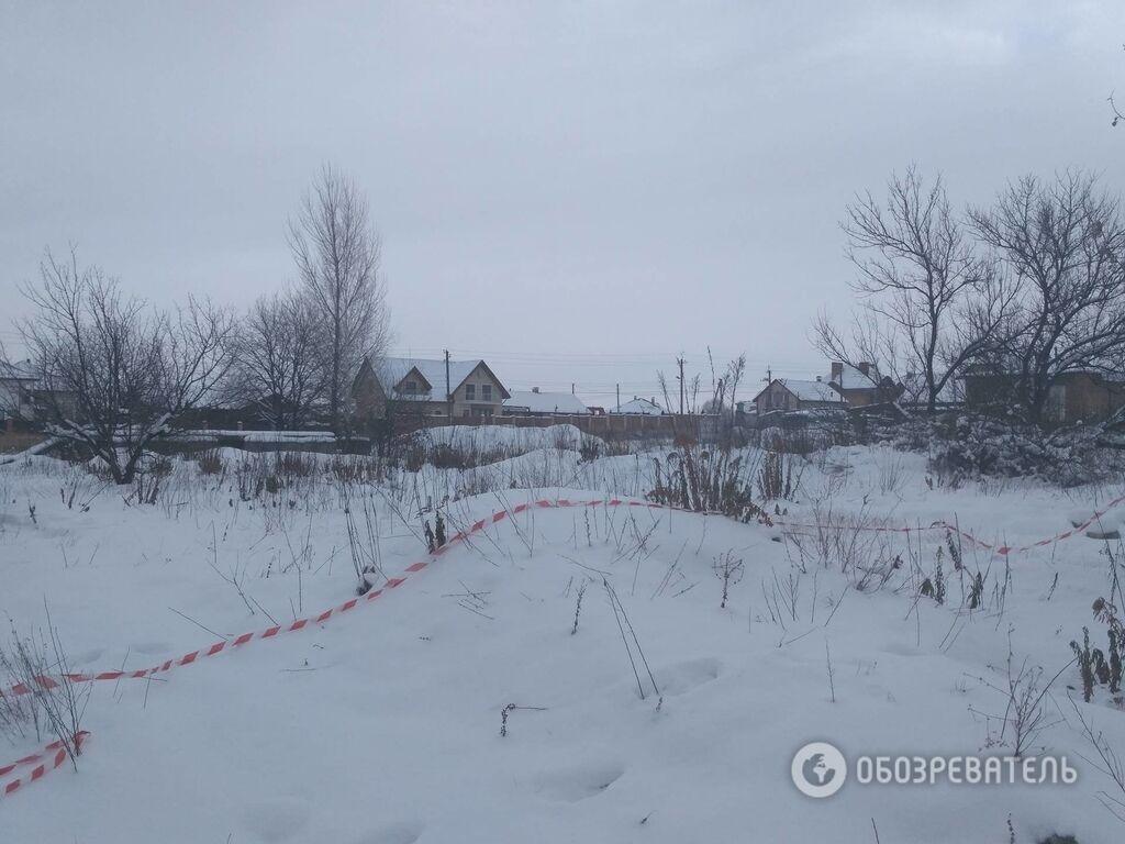 Появились новые фото с места смертельной перестрелки полиции под Киевом