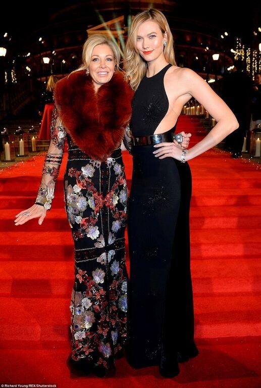 Джиджи Хадид со своими веснушками отличилась на модной премии